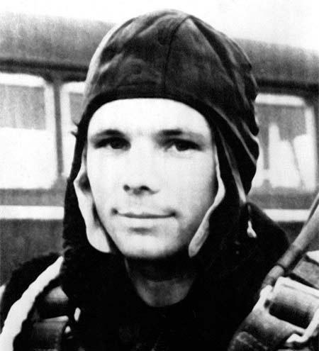 Гагарин первый космонавт отважный